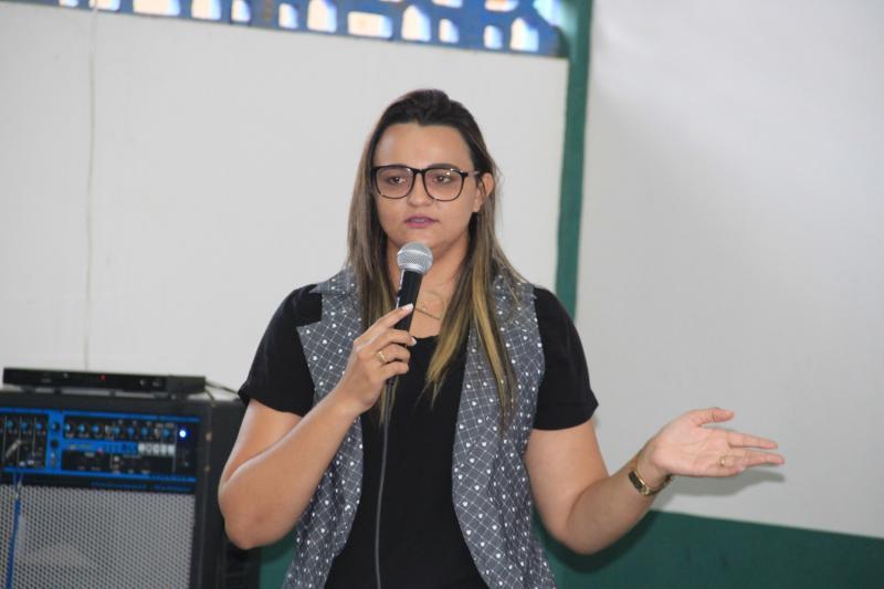 Assistência Social de Água Branca realiza reunião com pais de crianças do SCFV