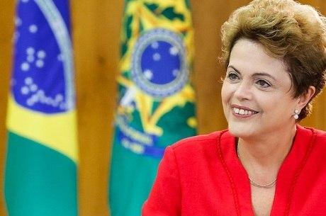 Escola é condenada por usar foto de Dilma em anúncio sobre