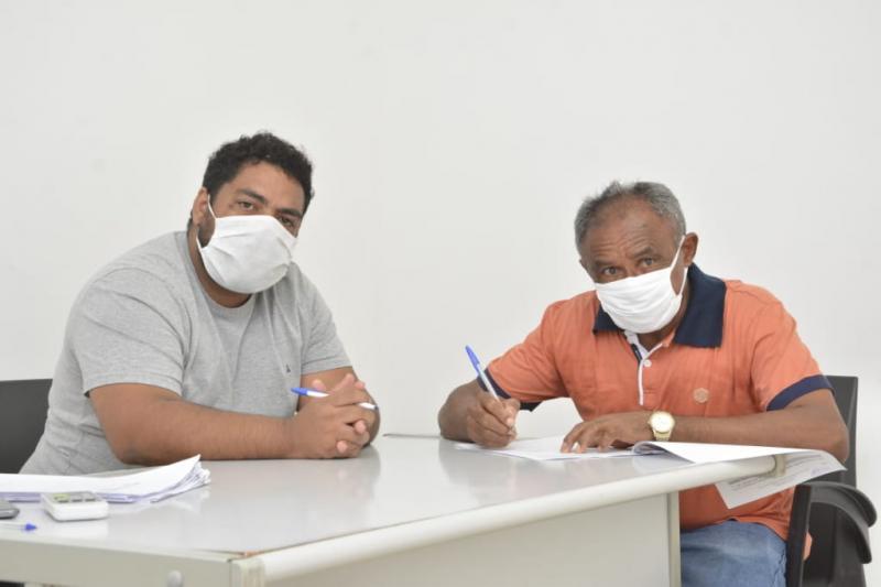 Prefeitura renova contrato dos servidores da Banda Musical de Floriano