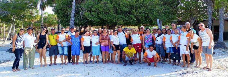CRAS promove passeio com idosos em comemoração a semana do idoso