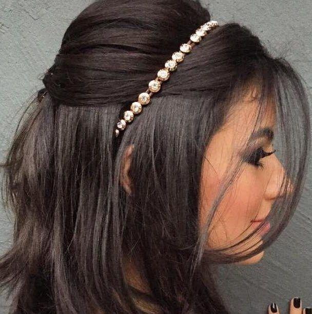 Como usar tiaras: melhore seus penteados com esse acessório!