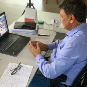 W. Dias apresenta a vereadores protocolo para abertura do comércio