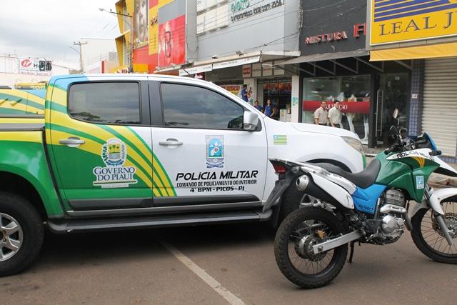 Homem é morto a tiros em praça pública no Piauí