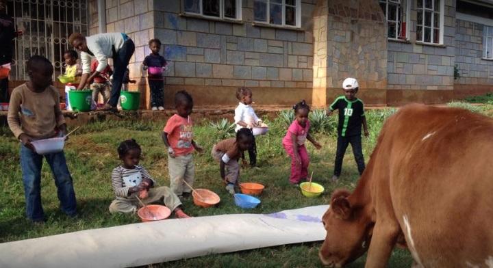 Piauiense pede ajuda para orfanato que pegou fogo na África