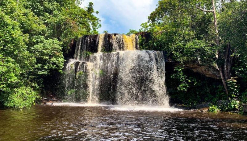 Conheça a Cachoeira do Xixá, localizada no município de Batalha