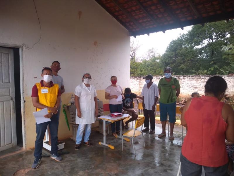 Atendimento médico na Comunidade Olho D'água do Mato