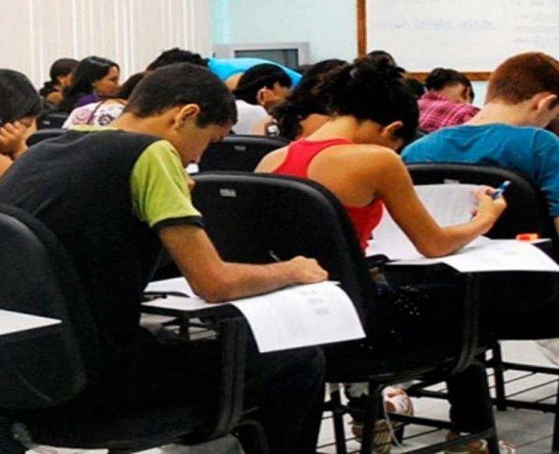 União Enem :A iniciativa ajuda estudantes de baixa renda que foram afetados