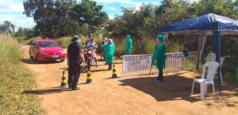 Barreiras sanitárias são instaladas nas principais vias de Lagoinha do PI