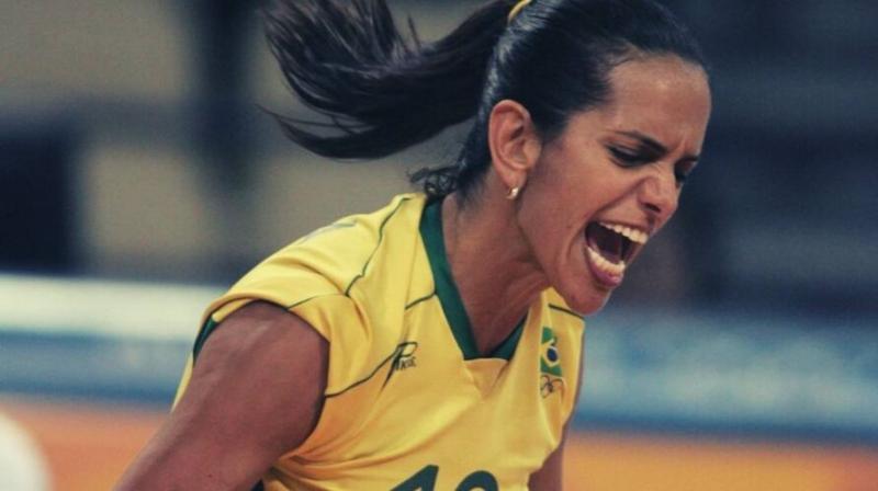 Ex-jogadora da seleção de vôlei, Virna testa positivo para coronavírus