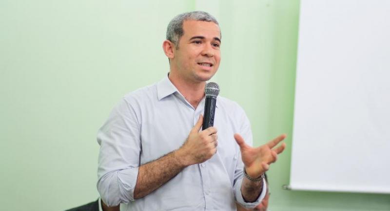 Após decisão judicial, Tiago Vasconcelos assume presidência do PHS no Piauí