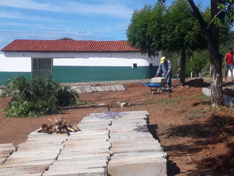 Prefeitura inicia obras de praça de lazer em Cajazeiras do Piauí