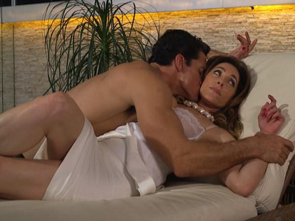 Fina Estampa: Tereza Cristina acusa Ferdinand de ser amante de Crô
