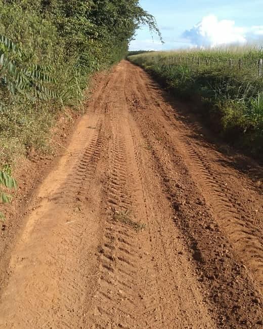 Prefeitura de Água Branca continua revitalizando estradas