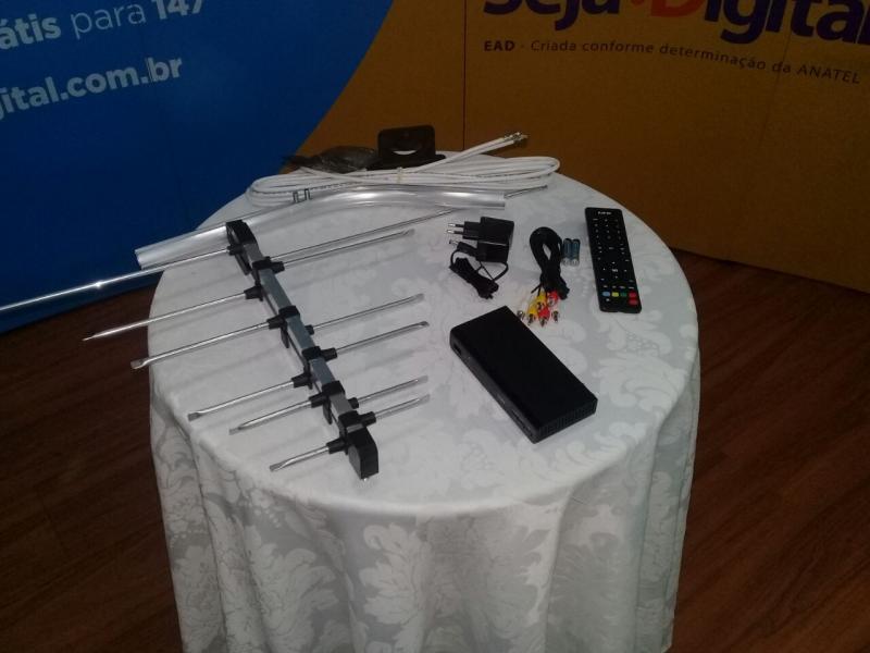 Prefeitura de Nazária assina convênio para distribuição gratuita dos kits de TV Digital