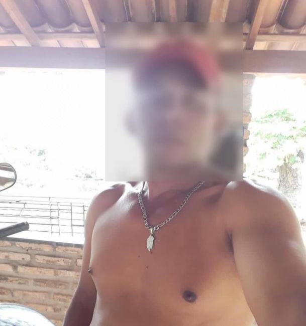 Homem suspeito de estuprar criança se entrega a polícia