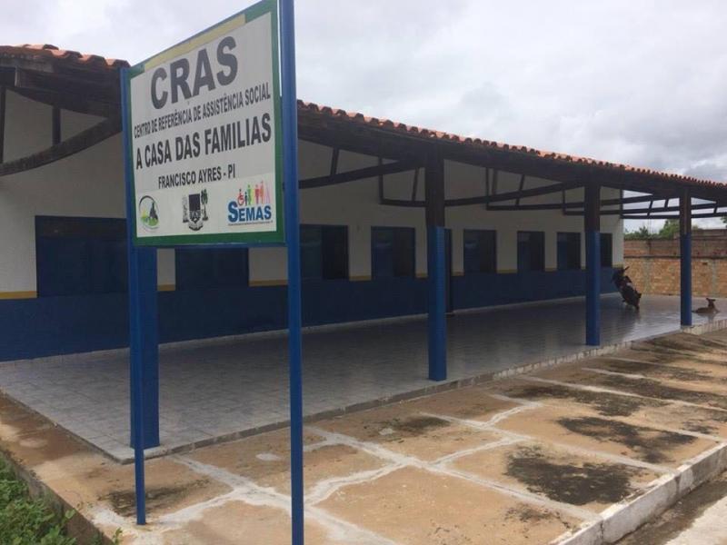 Prefeitura Municipal de Francisco Ayres realiza reforma nas Instalações do  CRAS e do CCI