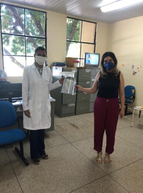 Universidade Federal do Piauí doa máscaras face shilds à SMS