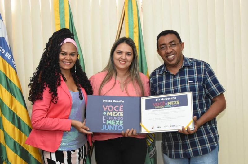 Prefeito Joel recebe certificado pela participação no Dia do Desafio 2017