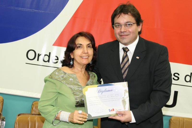 Presidente do Instituto dos Advogados Piauienses homenageia Fides Angelica