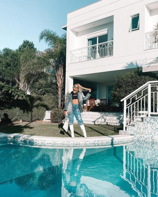 Whindersson comenta foto da casa nova de Luísa e ela responde: 'Te Amo'