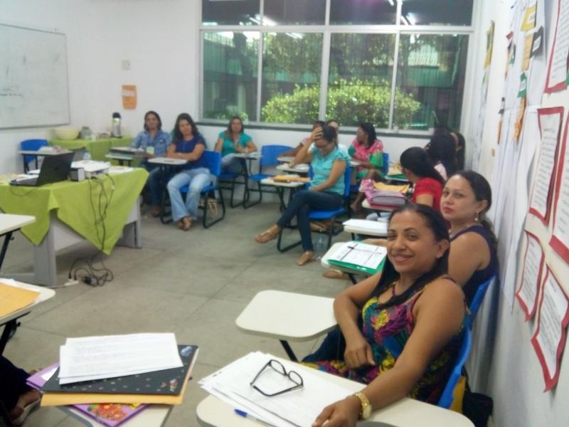 SEMEC de Olho D'água participa de formação na UFPI