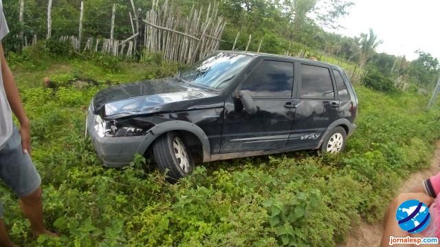 Acidente envolvendo carro e moto deixa uma pessoa morta na PI 214