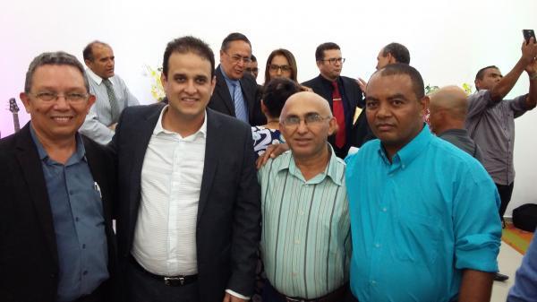 Prefeito Diego Teixeira participa do aniversário da Igreja Batista Ebenézer de Amarante