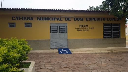 Câmara de DEL atrasa entrega de relatórios fiscais e município cai no CAUC