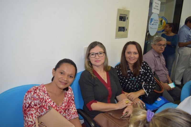 Primeira-dama de Lagoa do Piauí participa do encontro de gestores Municipais de Saúde