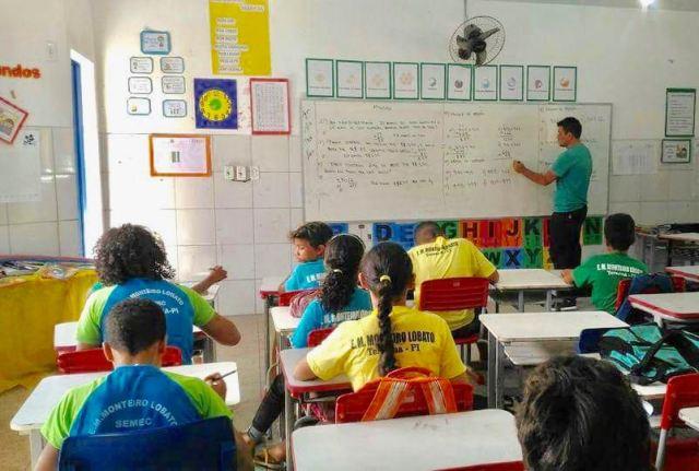 Prefeitura paga aumento de professores em folha suplementar