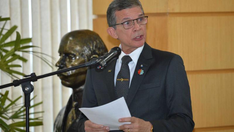 Pela primeira vez, um general assume o Ministério da Defesa no Brasil
