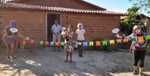 Assistência Social de Sta Cruz dos Milagres promove alegria aos idosos