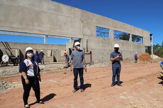 Warton Lacerda acompanha vistoria às obras do Terminal Rodoviário de Altos