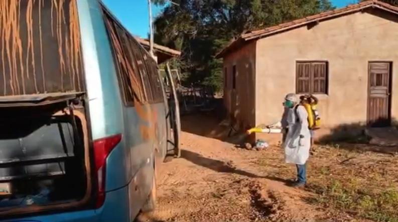 Prefeitura de Sta Cruz dos Milagres realiza desinfecção de locais públicos