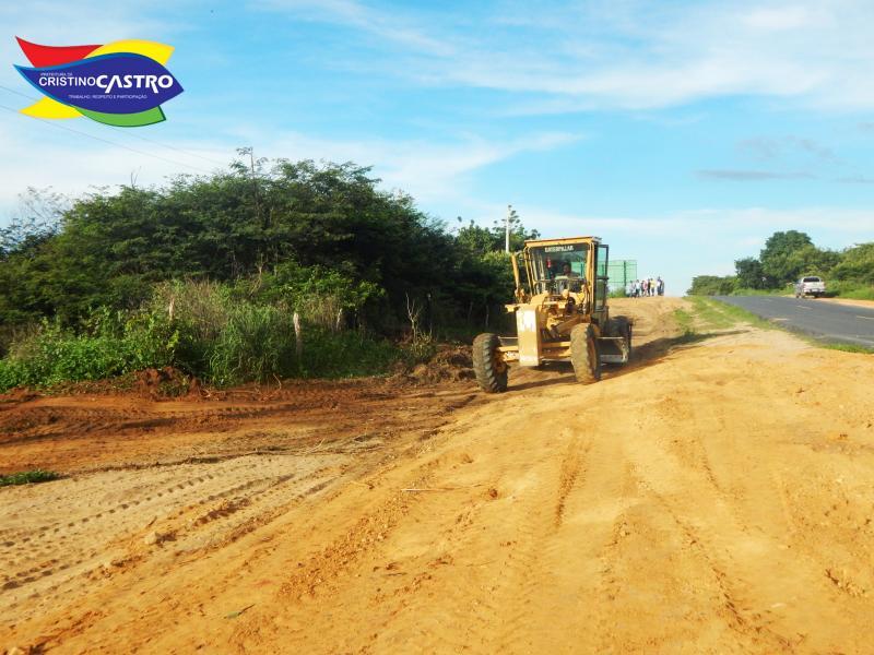 Prefeitura de Cristino Castro realiza Aterro e  Terraplanagem na Localidade Panasco