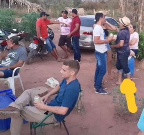 Após decretar lockdown, prefeito do Piauí é flagrado em churrasco