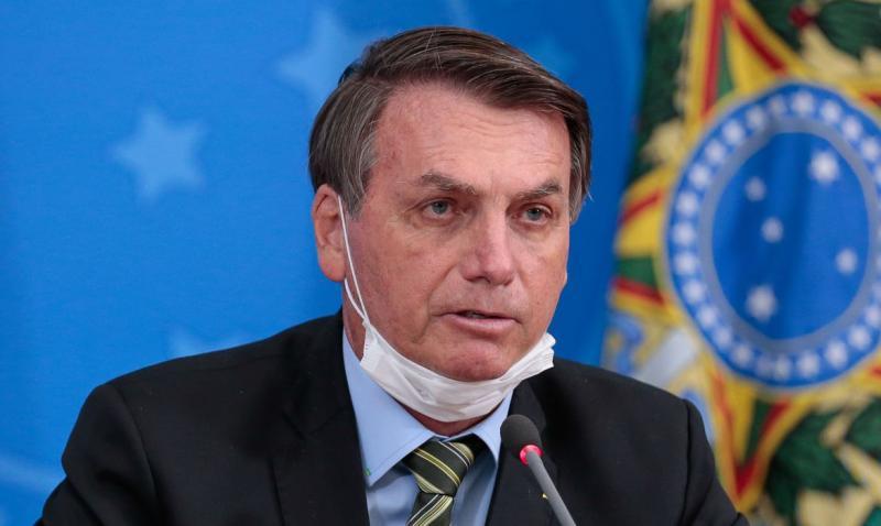 Bolsonaro vai sancionar corte de salário nos