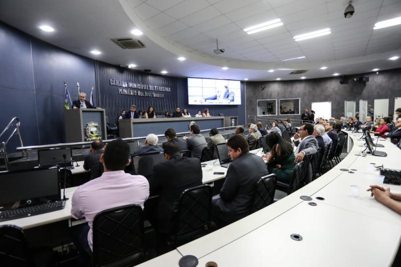 Vereadores de Teresina recebem plano de reabertura das atividades