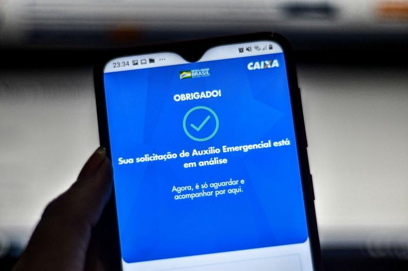 Auxílio: governo decide pagar mais duas parcelas de R$ 600