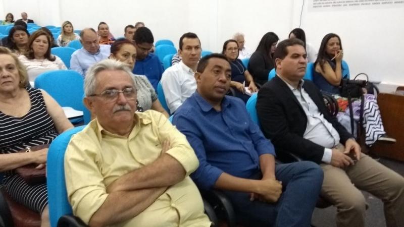 Prefeito Júnior Carvalho participa de lançamento do programa 'Avançar Cidades'