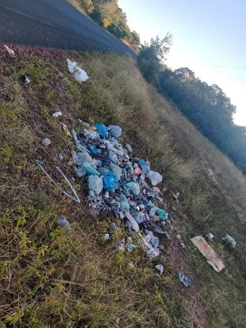 Comunidades rurais ao lado da PI 223 pedem providencias por conta de lixo