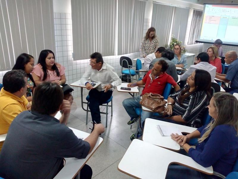 Secretária de Finanças participa de encontro de dirigentes municipais do Sebrae em Parnaiba