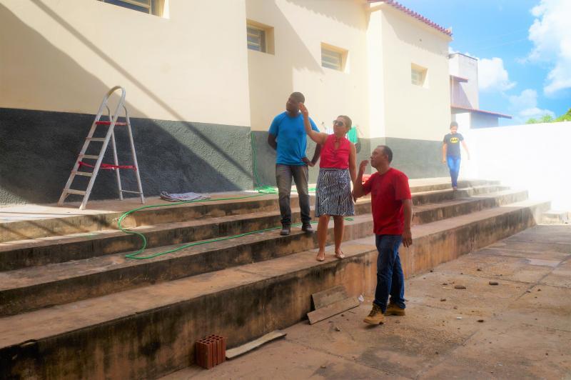 Secretária de Educação de Joaquim Pires visita a reforma da U.E Clarindo Lopes