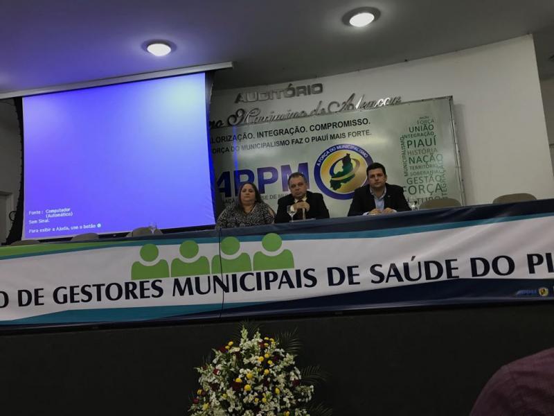 Secretária de saúde de Lagoinha participou do Encontro de Gestores Municipais