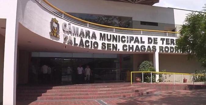 Ex vice-prefeita de cidade do PI recebeu salário indevidamente por meses