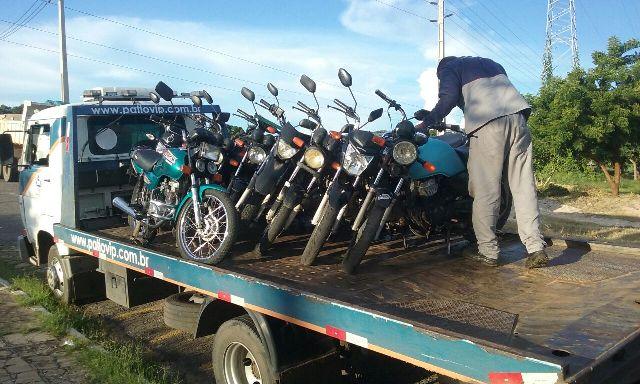 Strans apreende veículos por transporte ilegal de passageiros