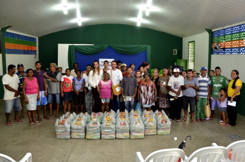 Prefeitura de Água Branca realiza mais uma entrega de cestas básicas do projeto Pão na Mesa