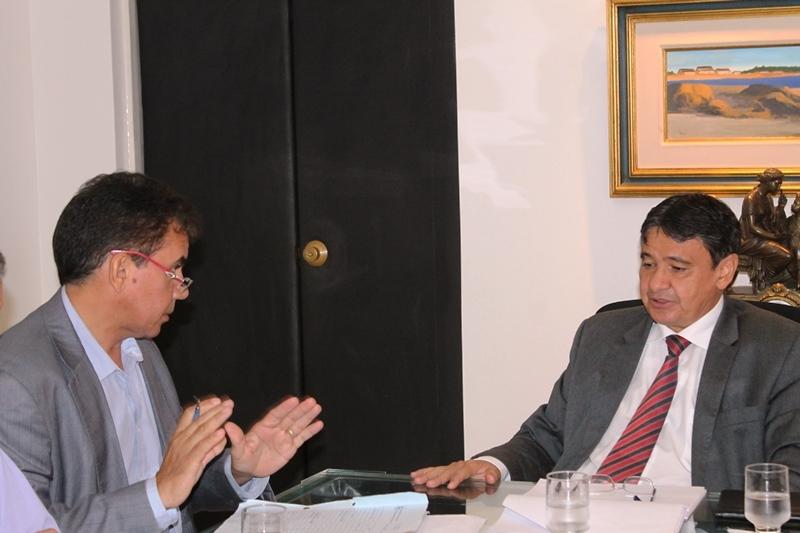 Paulo Martins anuncia obras do Governo do Estado para região dos carnaubais