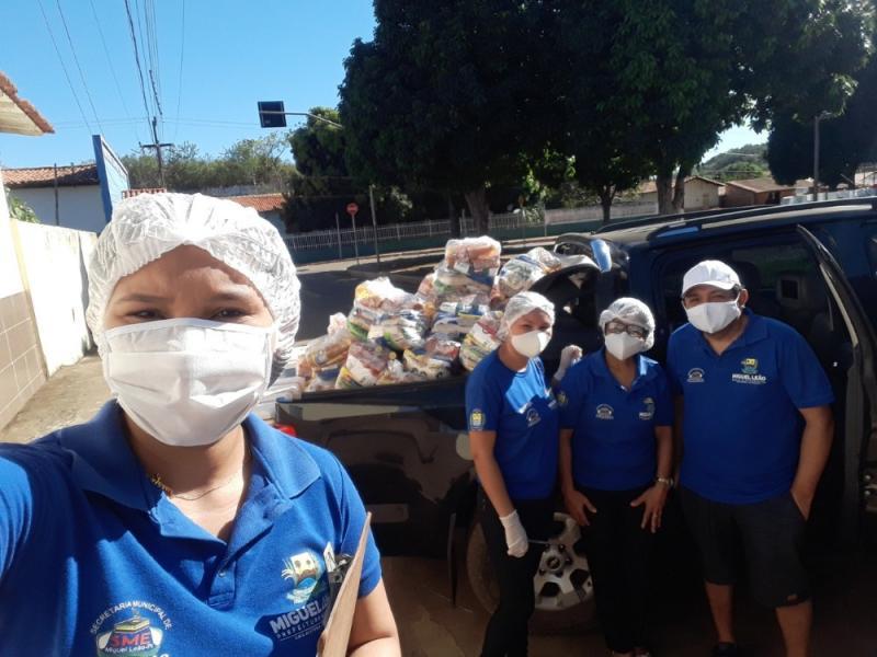 Prefeitura de Miguel Leão realiza entrega de kits de merenda escolar