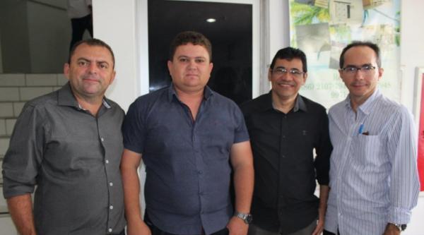Prefeito de Landri Sales se reúne com gestores para lançamento do Programa 'Cartão Reforma'